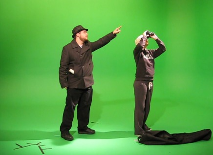 GB_SCAD_Anim_MoonlightCamping_BTS_green_screen_2_shot_pointing_4